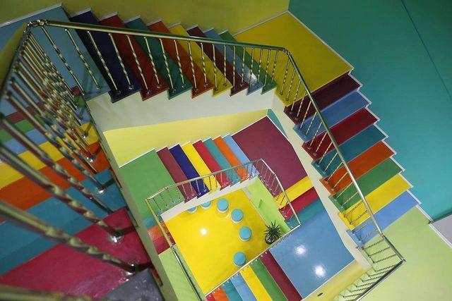 پارک مادر کودک - پلکان رنگی